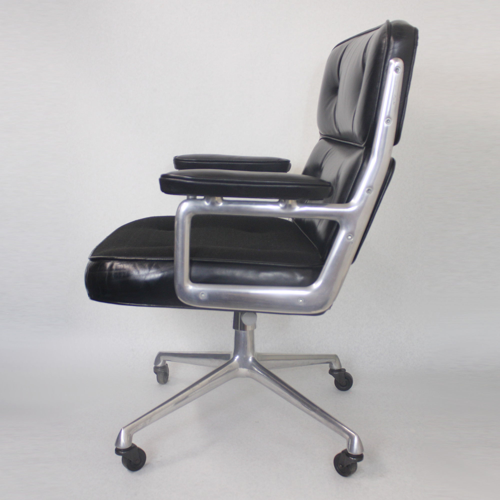 Wunderbar 1960s Mid Century Modern Herman Miller Time Life Executive Desk Lounge  Chair For Sale At 1stdibs