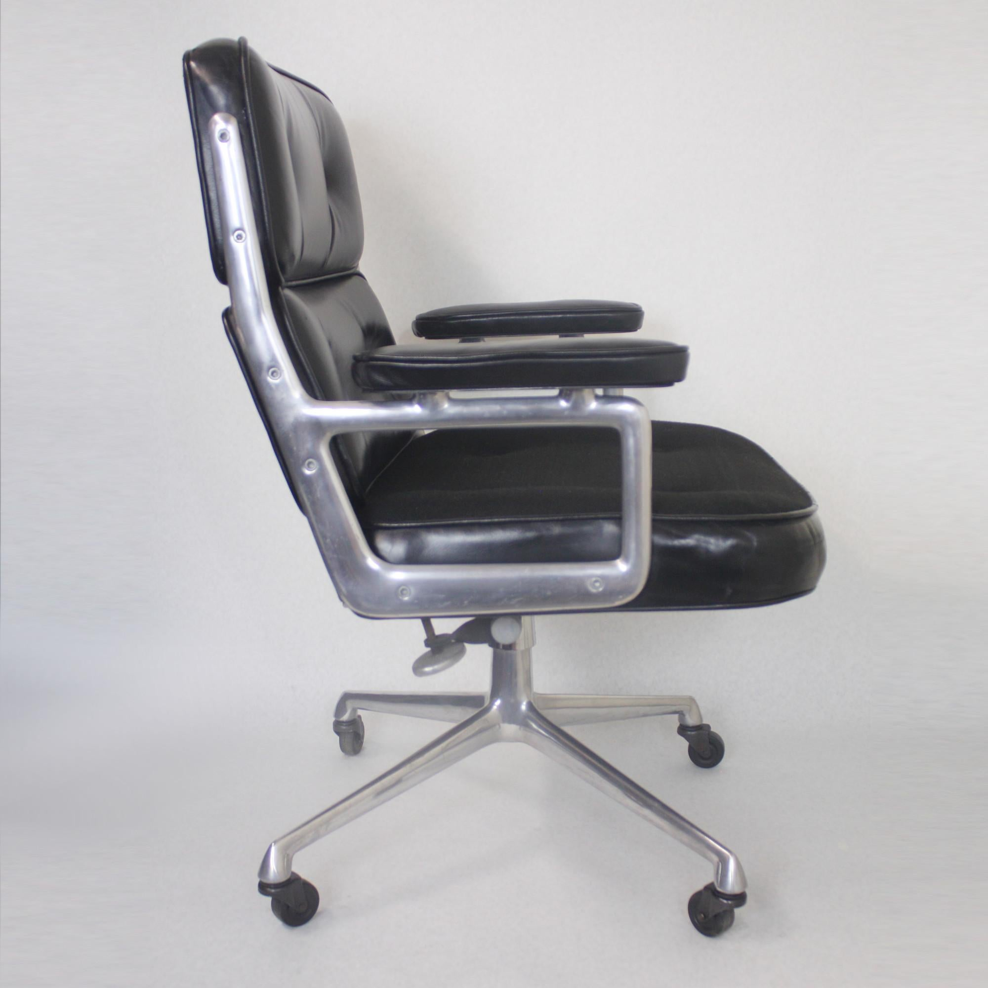 1960s Mid Century Modern Herman Miller Time Life Executive Desk Lounge  Chair For Sale At 1stdibs