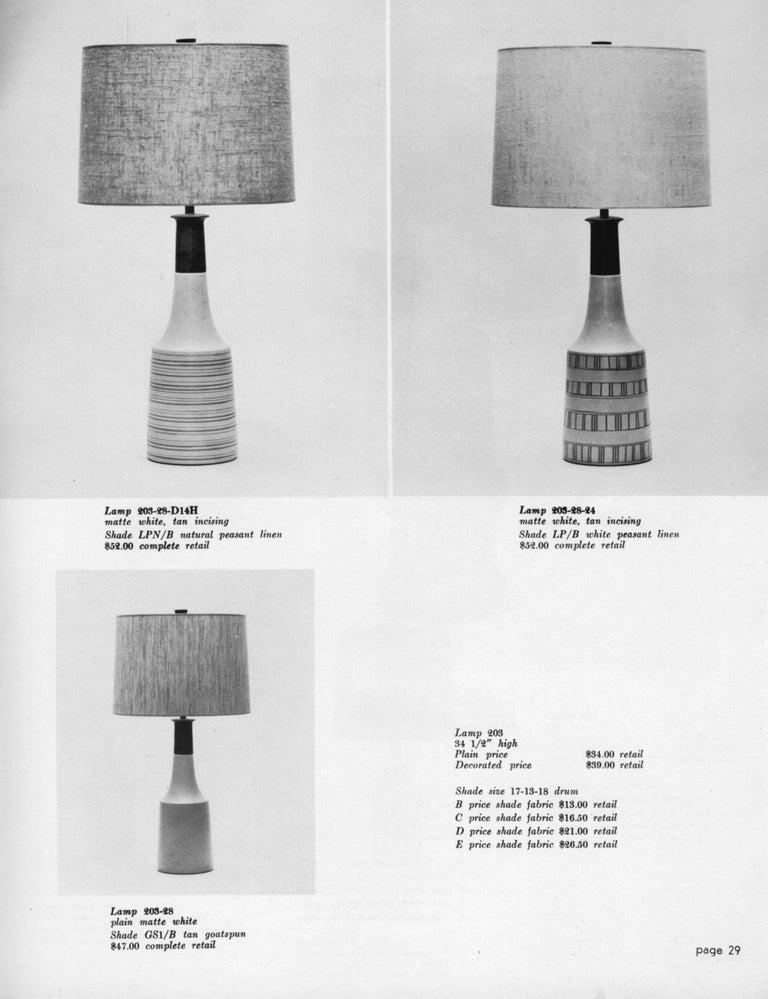 Vintage Mid-Century Modern White Ceramic Table Lamp by Martz Marshall Studios For Sale 2