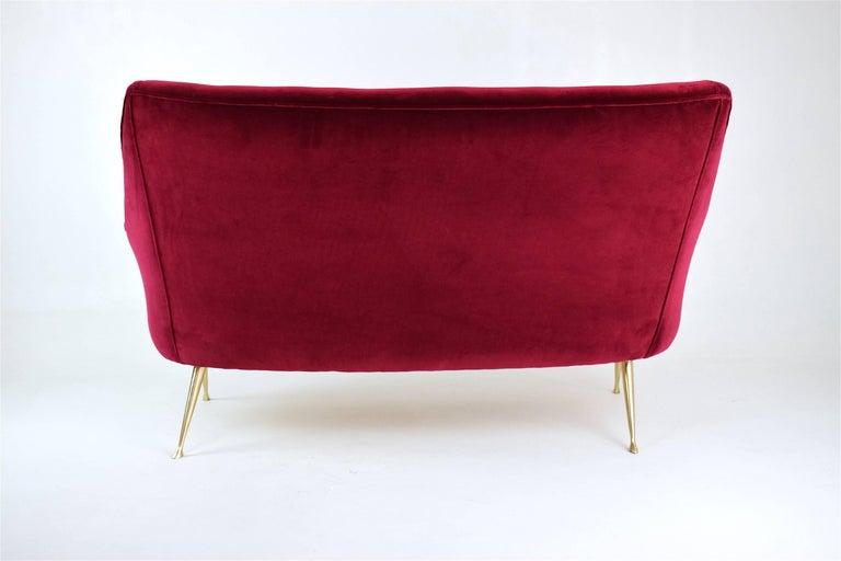 Italian Mid-Century Velvet Sofa, 1950s For Sale 1