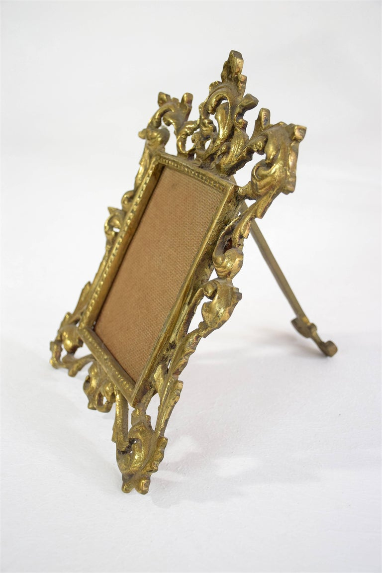 Antique Gilded Bronze Picture Frame In Good Condition For Sale In Paris, FR