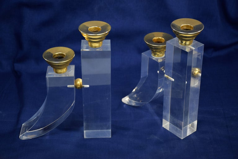 French Pair of Vintage Plexiglass Candlesticks or Bookends, 1970s In Good Condition For Sale In Paris, FR