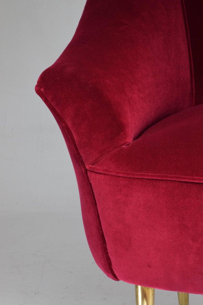 Italian Mid-Century Velvet Armchair, 1950s For Sale 6