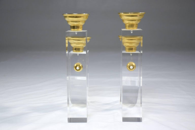 French Pair of Vintage Plexiglass Candlesticks or Bookends, 1970s For Sale 2