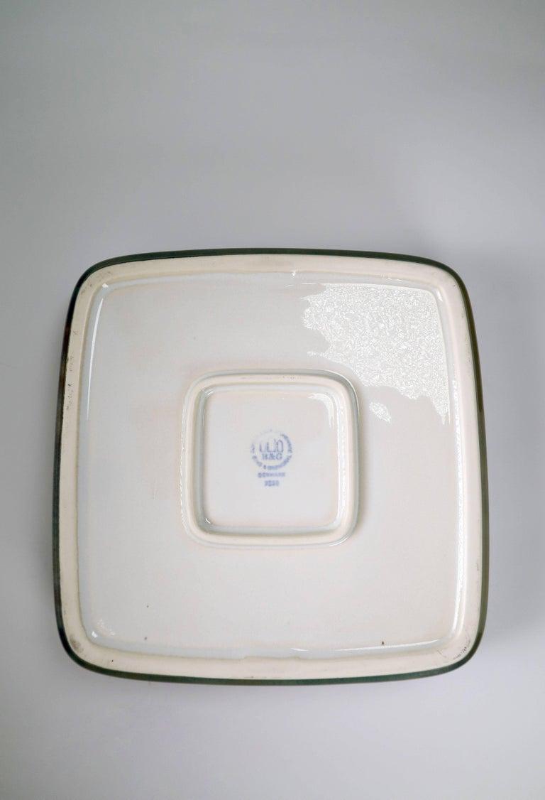 Mid-20th Century Bing & Grondahl Classic Danish Modern Olive Green Leaf Porcelain Bowl, 1950s For Sale
