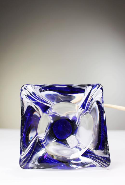 Paul Kedelv for Flygsfors Scandinavian Modern Swirling Blue Glass Lamp, 1950s In Good Condition For Sale In Frederiksberg, DK