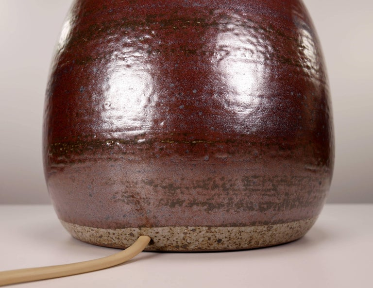 Per Linnemann-Schmidt for Palshus Danish Modern Burgundy Stoneware Lamp, 1950s In Good Condition For Sale In Copenhagen, DK