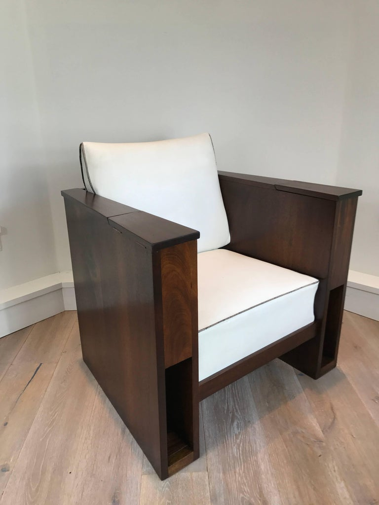 Mid-20th Century Pair of Art Deco Mahogany Club Chairs For Sale