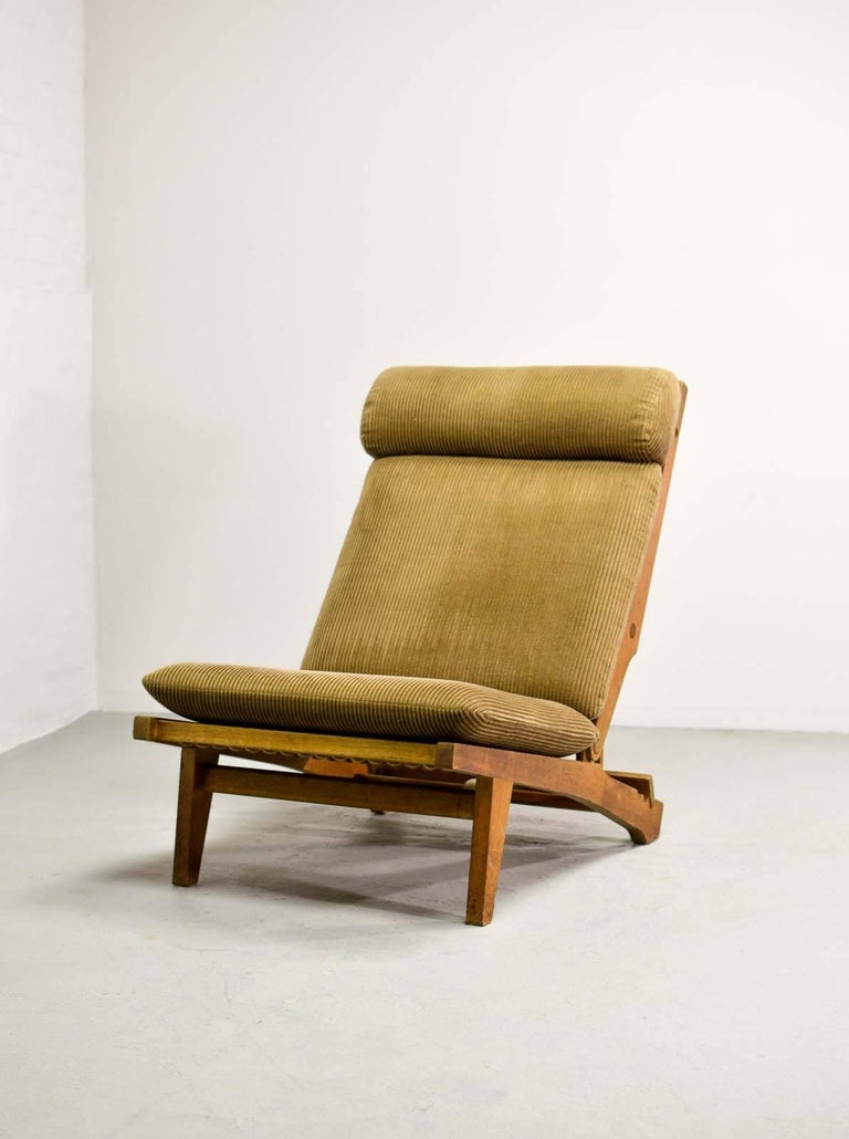 Magnificent Hans J. Wegner Oakwood Folding Lounge Chair AP71 by AP Stolen, 1968 2