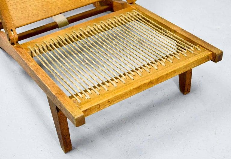 Magnificent Hans J. Wegner Oakwood Folding Lounge Chair AP71 by AP Stolen, 1968 10