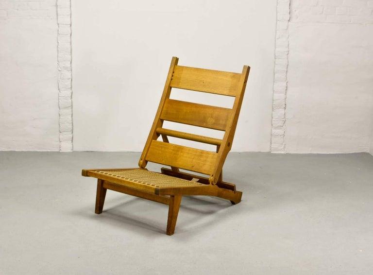 Magnificent Hans J. Wegner Oakwood Folding Lounge Chair AP71 by AP Stolen, 1968 5
