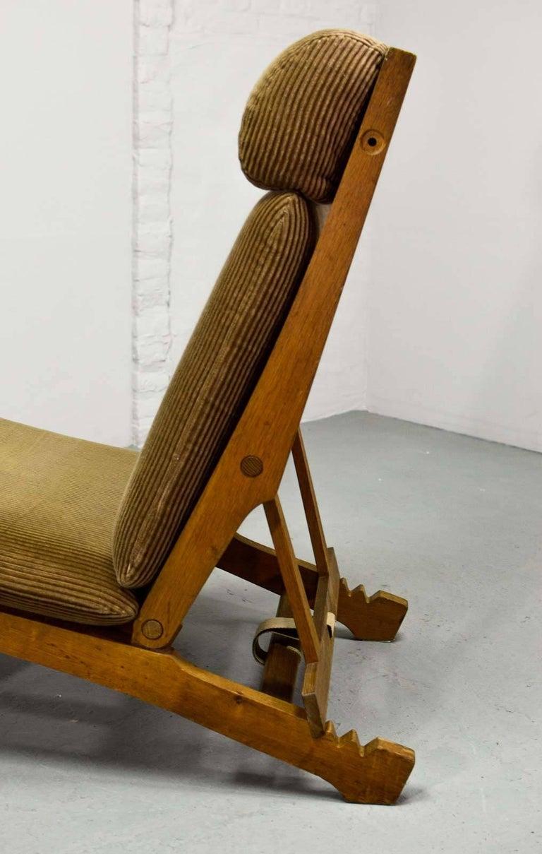Magnificent Hans J. Wegner Oakwood Folding Lounge Chair AP71 by AP Stolen, 1968 8