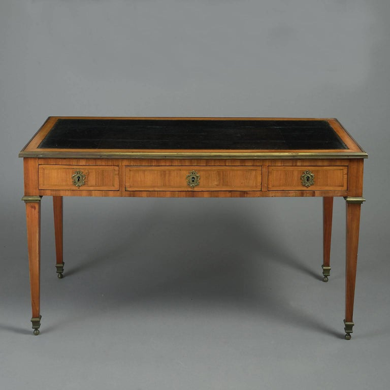18th century louis xvi tulipwood bureau plat or writing table for sale at 1stdibs. Black Bedroom Furniture Sets. Home Design Ideas