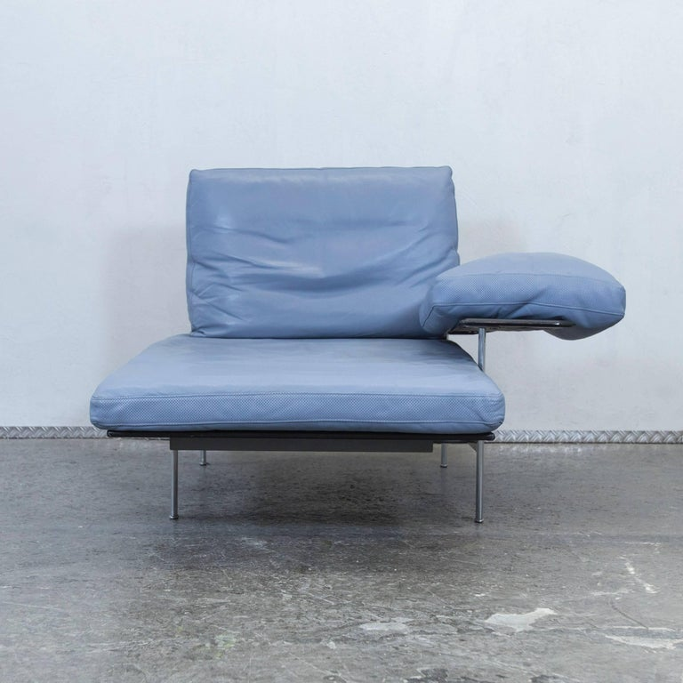 B b italia designer recamier blue leather chaise lounge for Blue leather chaise