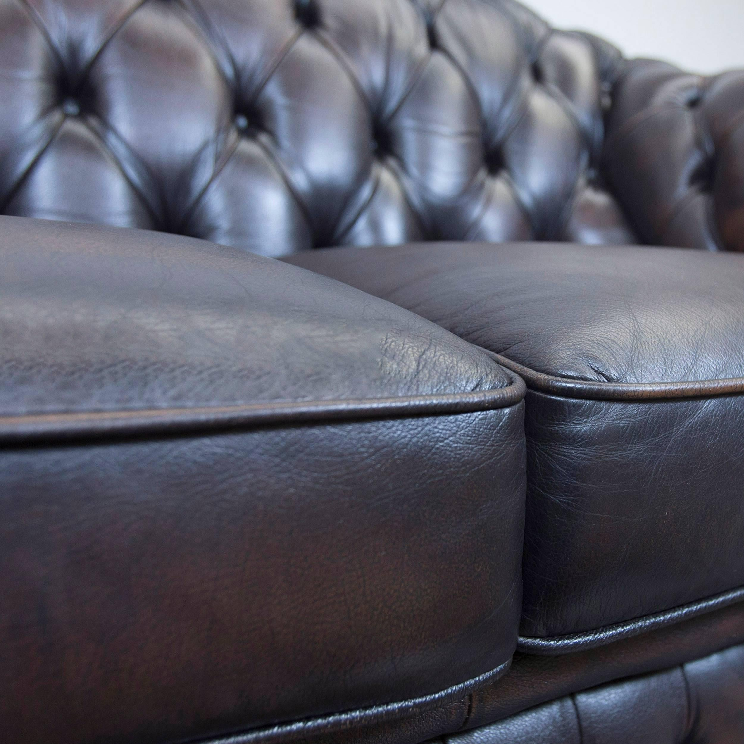 Centurion Chesterfield Leather Sofa Two Seat Brown Vintage Modern In Good  Condition For Sale In