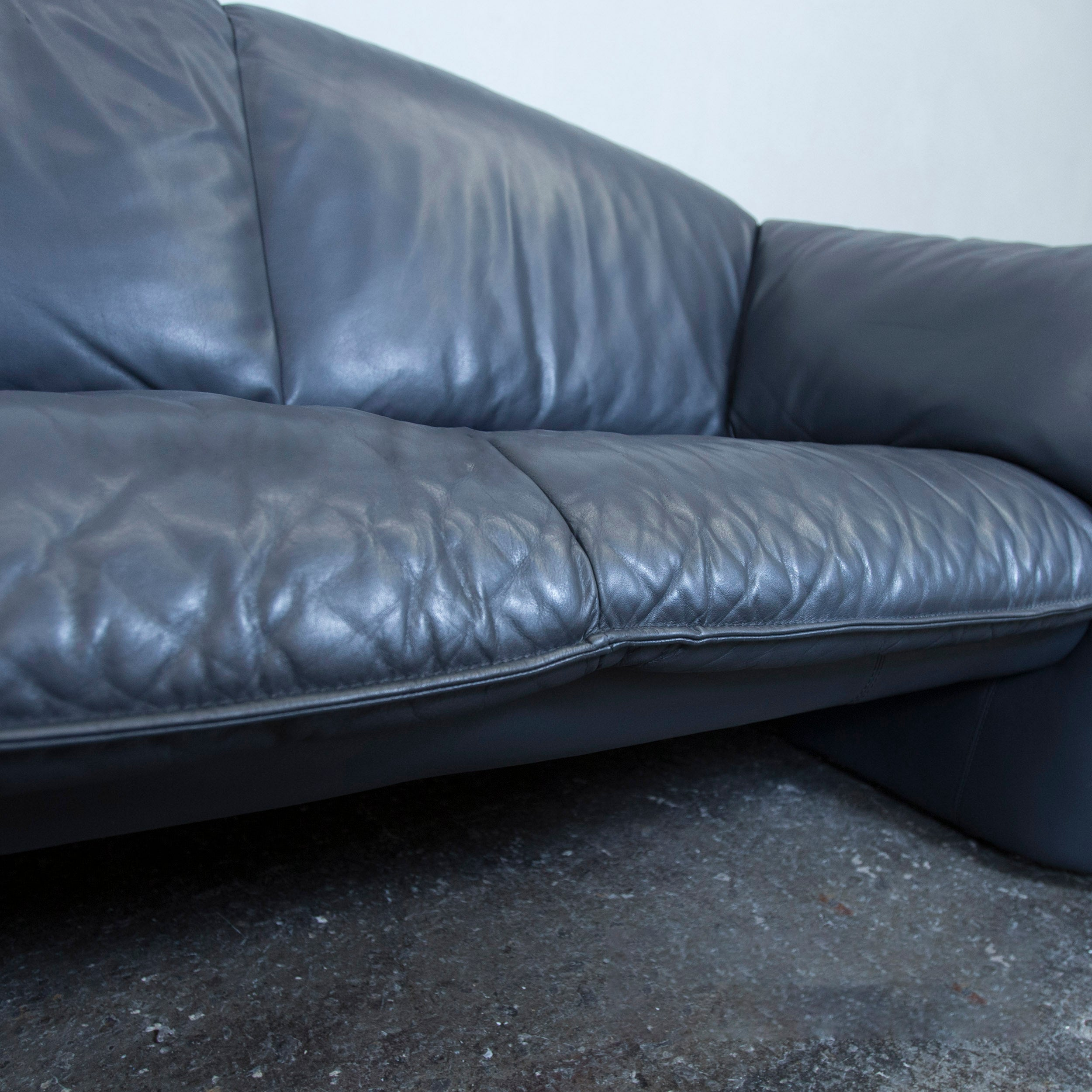 Leolux Designer Leather Sofa Blue Two Seat Couch Modern at 1stdibs