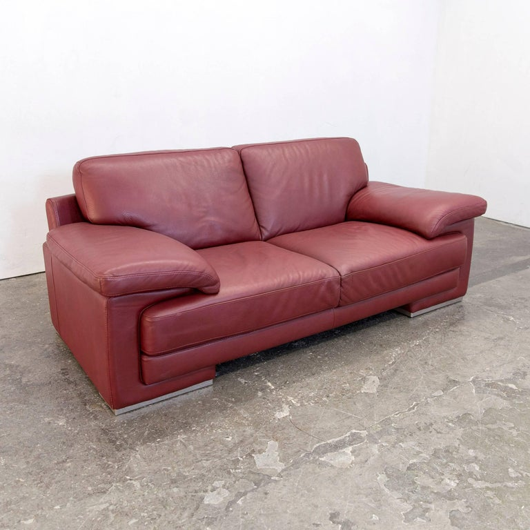 natuzzi designer leather three seat couch red for sale at 1stdibs. Black Bedroom Furniture Sets. Home Design Ideas