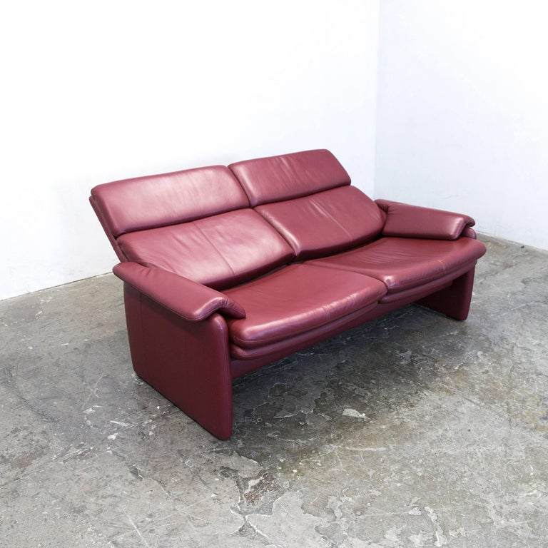 erpo designer sofa leather bordeaux red two seat relax function couch modern for sale at 1stdibs. Black Bedroom Furniture Sets. Home Design Ideas