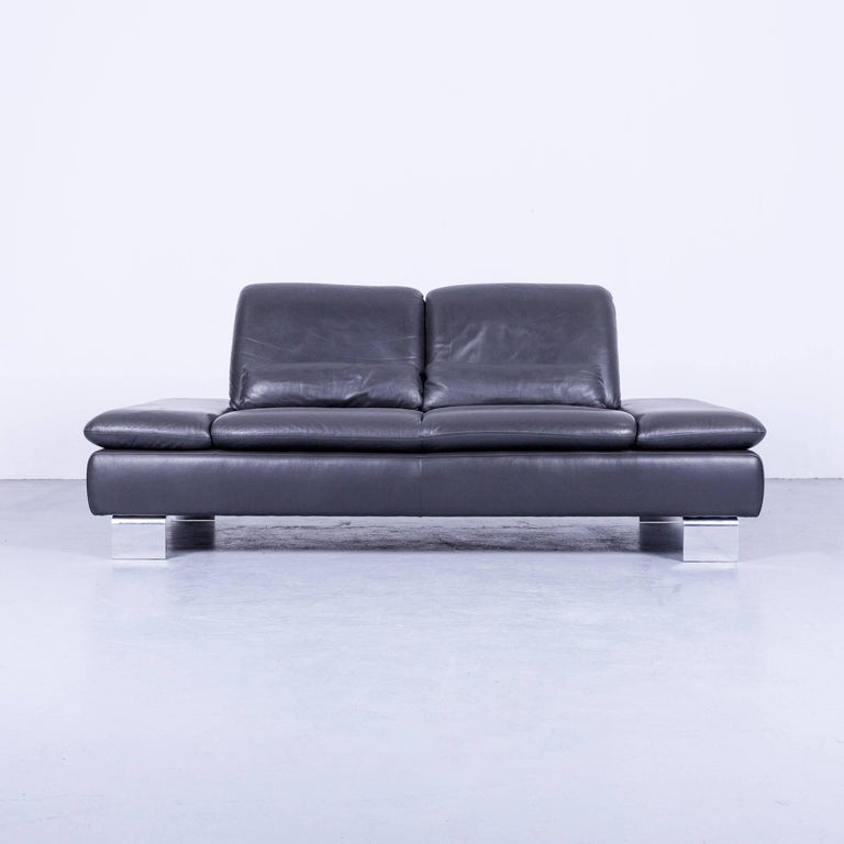 Willi Schillig Designer Sofa Two-Seat Grey Anthracite Leather Couch Function In Good Condition For Sale In Cologne, DE