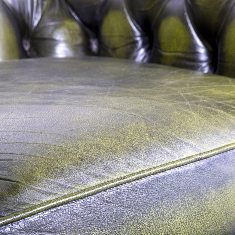 British Vintage Green Chesterfield Leather Buttoned Clubchair