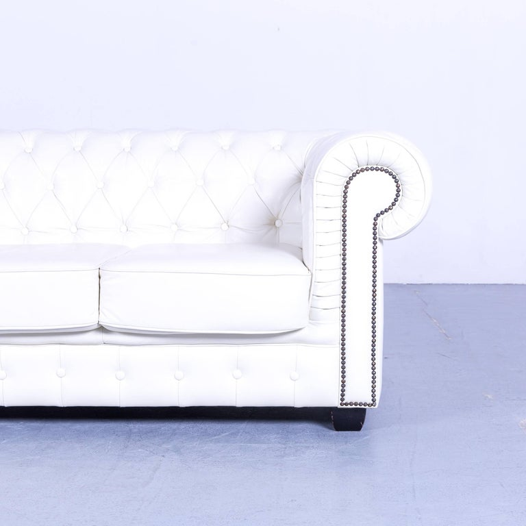 Chesterfield Three-Seat Sofa White Leather Couch Vintage Retro Rivets In Good Condition In Cologne, DE