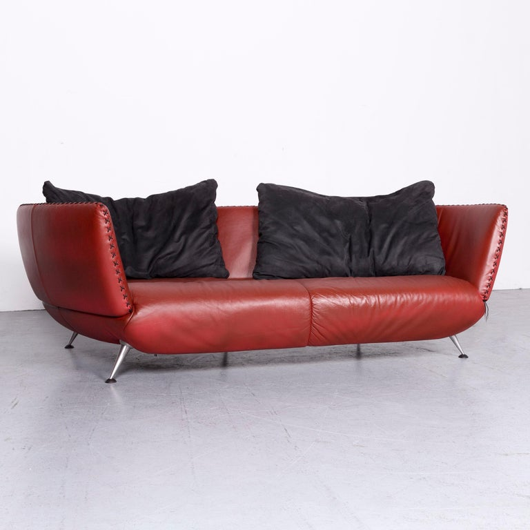 We bring to you a De Sede Ds 102 designer leather sofa red two-seat couch.