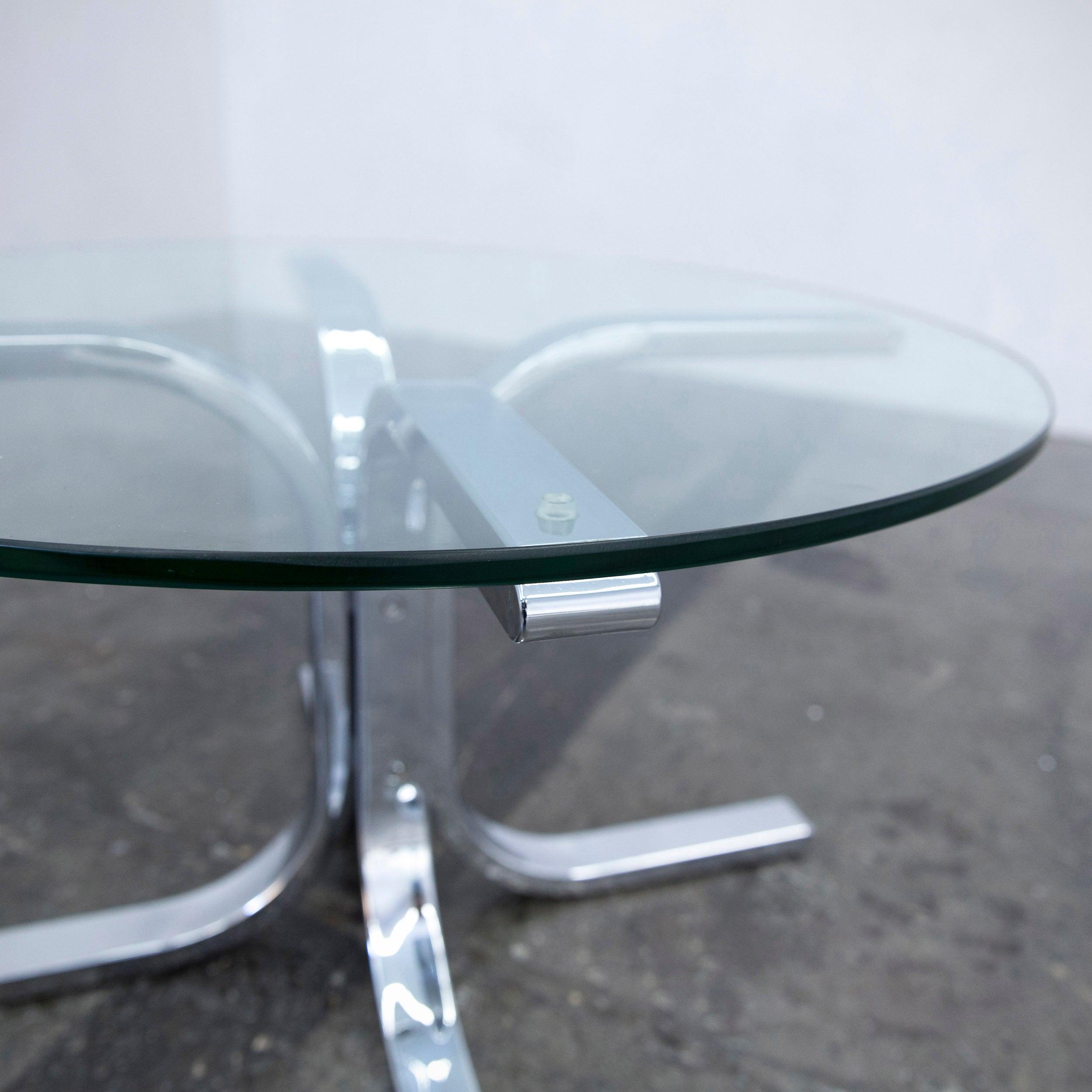 glas chrom excellent latest couchtisch glastisch moebella design glas chrom holz rund beton. Black Bedroom Furniture Sets. Home Design Ideas