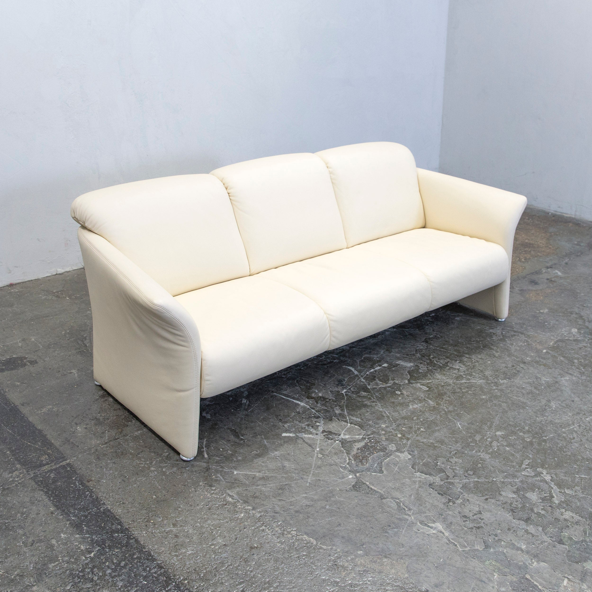 Designer Sofa Leather Crème Three Seat Couch Modern At 1stdibs