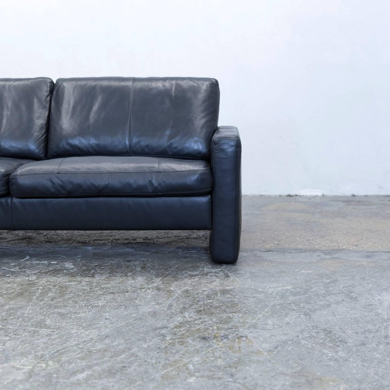 cor conseta designer sofa leather black two seat couch modern at 1stdibs. Black Bedroom Furniture Sets. Home Design Ideas