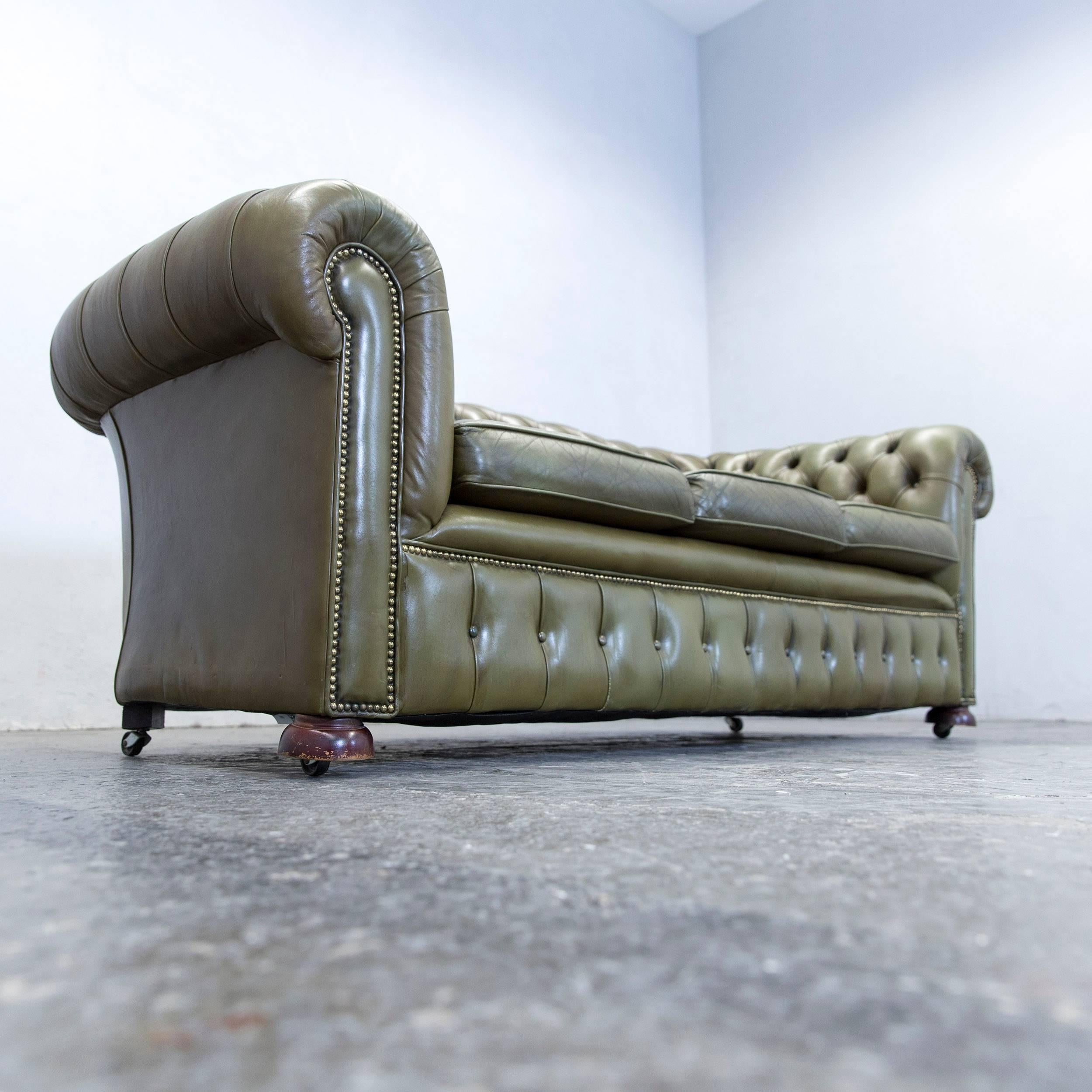 Merveilleux Chesterfield Leather Sofa Green Three Seat Couch Vintage Retro At 1stdibs