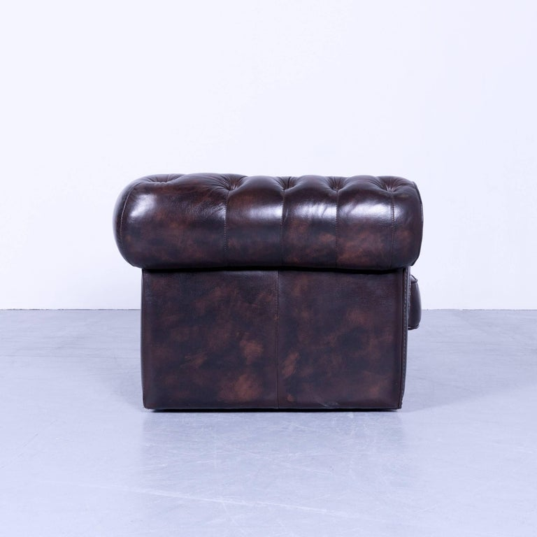 chesterfield clubchair dark brown mocca leather buttoned. Black Bedroom Furniture Sets. Home Design Ideas