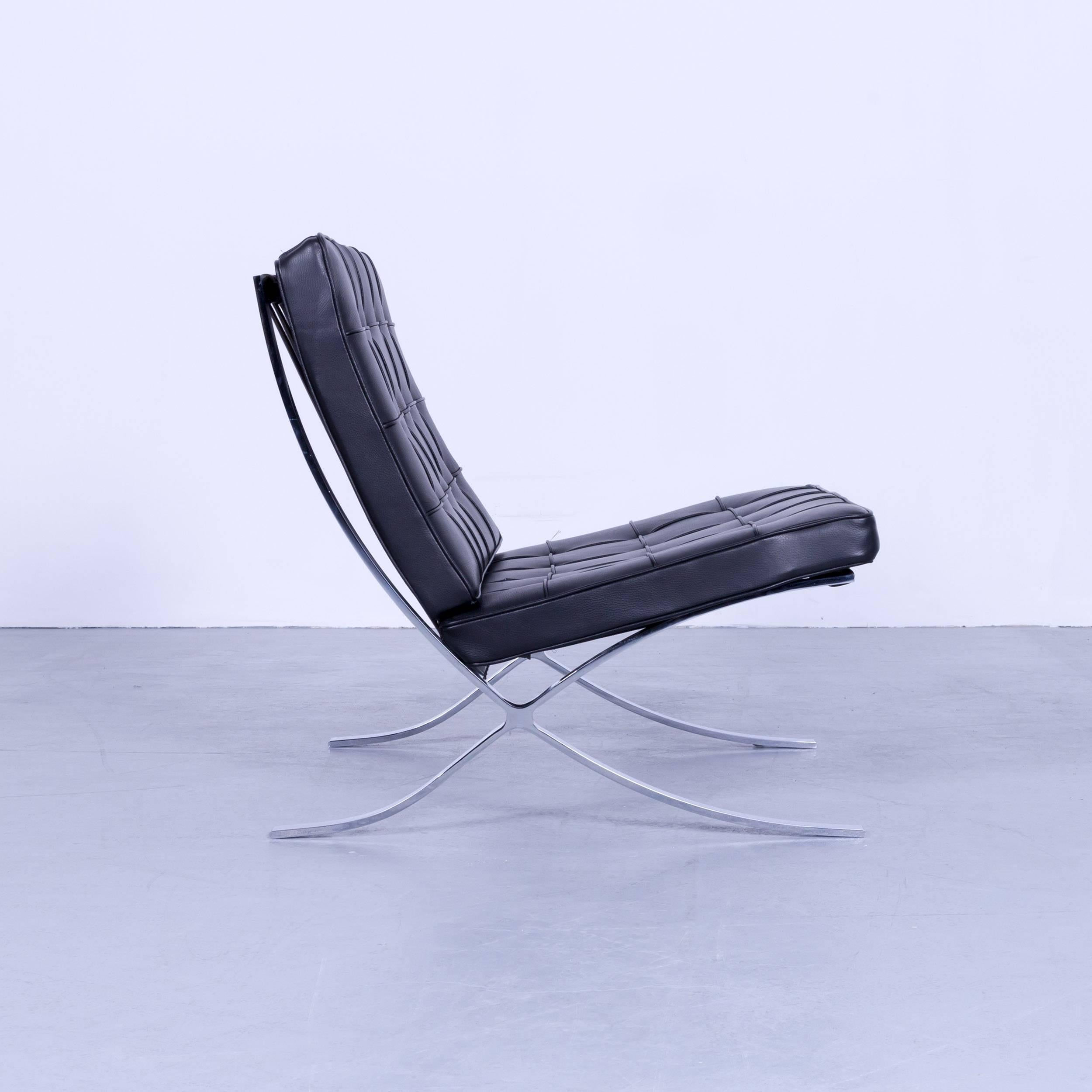 Knoll International Barcelona Chair By Ludwig Mies Van Der Rohe Black  Leather For Sale 3