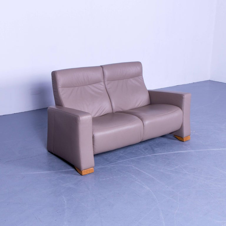 himolla designer sofa leather beige cr me two seat couch germany modern at 1stdibs. Black Bedroom Furniture Sets. Home Design Ideas