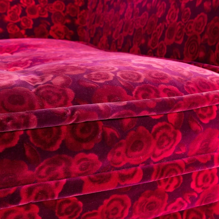 bretz monster sofa red fabric three seat couch rose. Black Bedroom Furniture Sets. Home Design Ideas