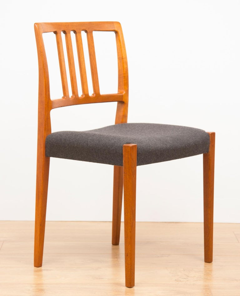 Mid-Century Modern Set of 4 Teak Dining Chairs by Hugo Troeds Bjärnum, Swedish, circa 1960s For Sale
