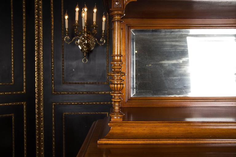 victorian furniture essay Victorian gothic decor is all about drama and elegance this style is not for the faint of heart— it is all about making a statement the lavish interiors of a victorian gothic home will be draped in high-end fabrics, curved ornate furniture, and plenty of decorative details.