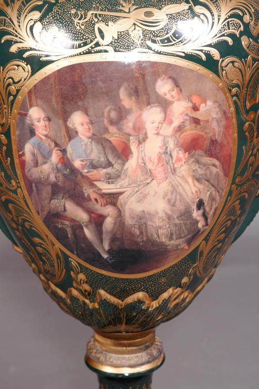 Majesatical Sevre Vase in 18th Century Style, Paris In Good Condition For Sale In Berlin, DE