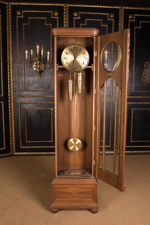 19th Century, Old Antique Grandfather Clock In Good Condition For Sale In  Berlin, DE - 19th Century, Old Antique Grandfather Clock At 1stdibs