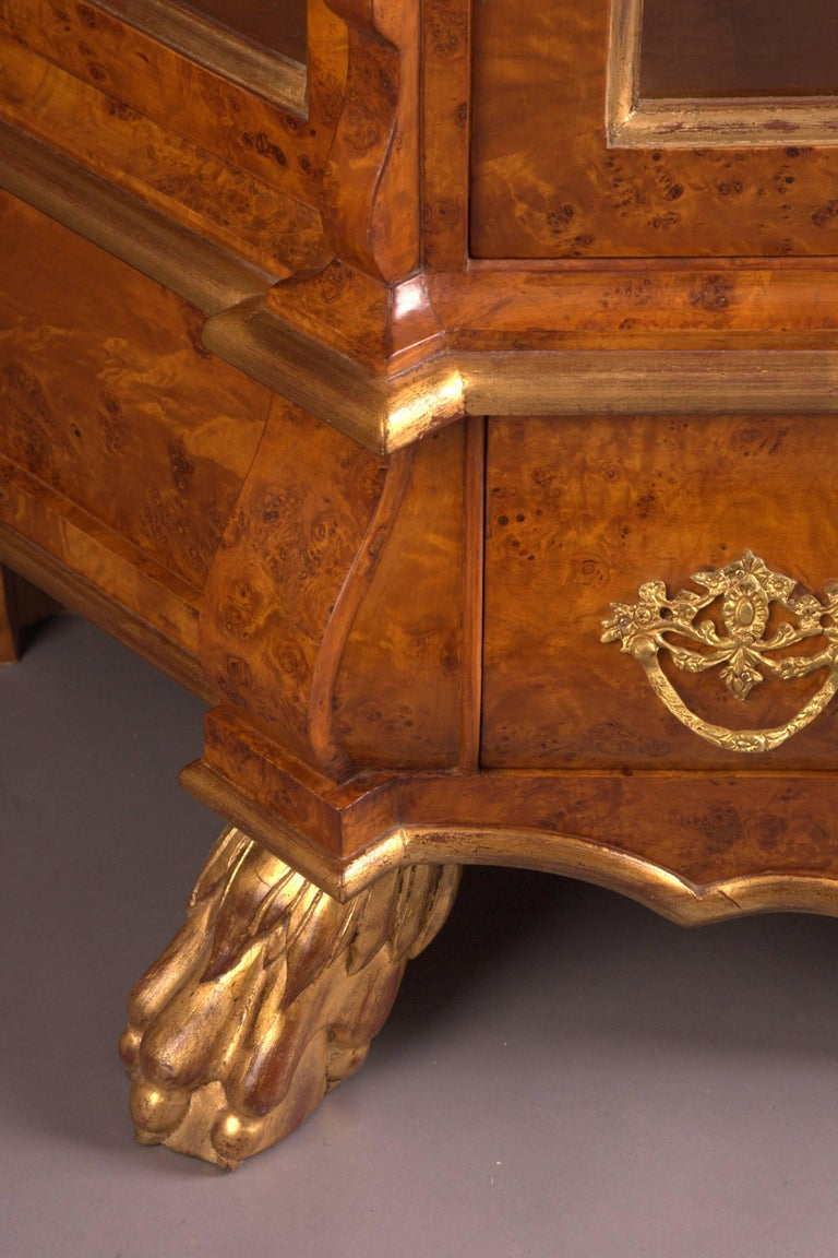 Dutch vitrine cupboard in baroque style for sale at 1stdibs for Dutch baroque architecture