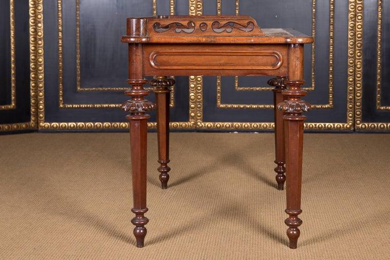 19th Century, Historical Ladies Desk of the Late Biedermeier, Mahogany Veneer For Sale 4