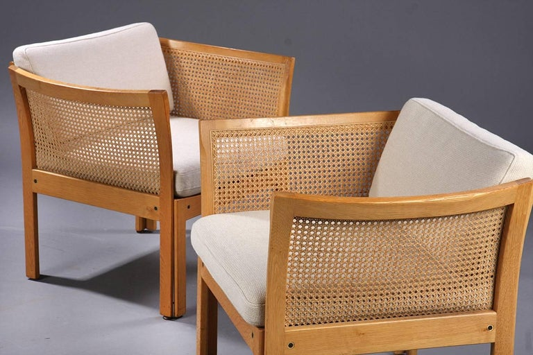 Danish 1960s Illum Vikkelso Set of Three DanisPlexus Easy Chairs in Oak and Grey Fabric For Sale
