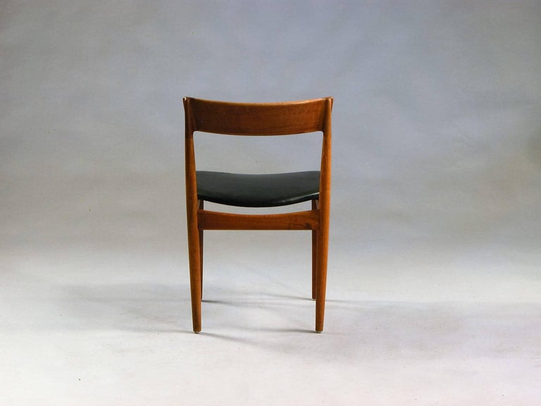 Hand-Crafted 1960s Henry Rosengren Hansen 4 Model 39 Teak Dining Chairs in Teak and Leather For Sale
