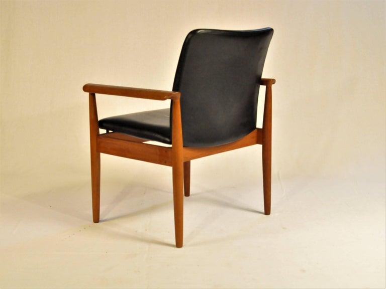 Scandinavian Modern 1960s Finn Juhl Set of Six Model 209 Diplomat Chair in Teak and Leather by Cado For Sale