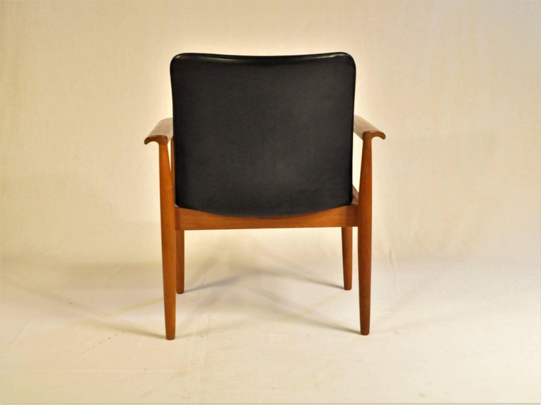 Danish 1960s Finn Juhl Set of Six Model 209 Diplomat Chair in Teak and Leather by Cado For Sale