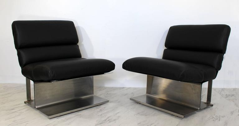 French Mid-Century Modern Pair of Steel Leather Lounge Chairs Paul Geoffroy Uginox For Sale