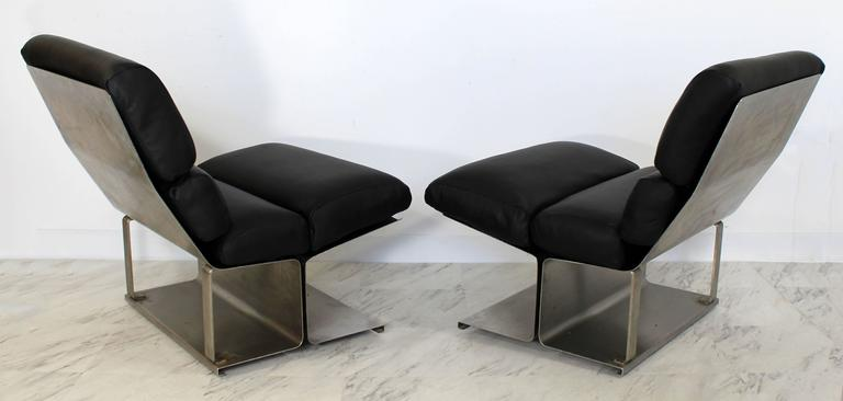 Mid-Century Modern Pair of Steel Leather Lounge Chairs Paul Geoffroy Uginox In Good Condition For Sale In Keego Harbor, MI