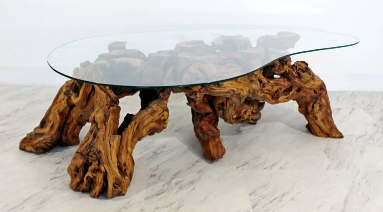 Mid-Century Modern Michael Weiss Grapevine Kidney Glass Top Coffee Table In Good Condition For Sale In Keego Harbor, MI