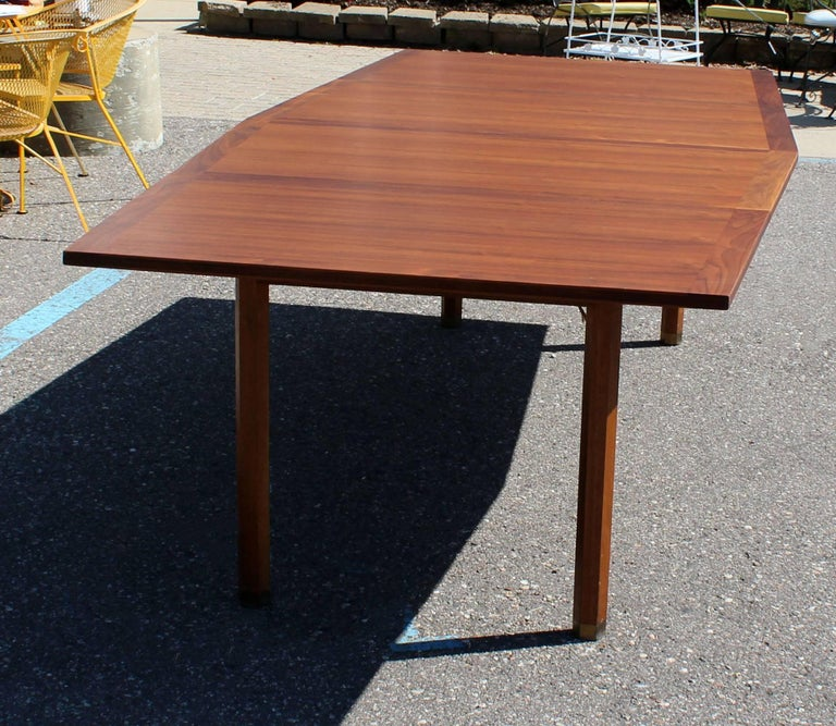 mid century modern rare dunbar expandable dining conference table two leaves for sale at 1stdibs. Black Bedroom Furniture Sets. Home Design Ideas