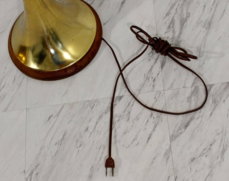 Mid-Century Modern Laurel Brass and Wood Floor Lamp with Original Shade, 1960s For Sale 2