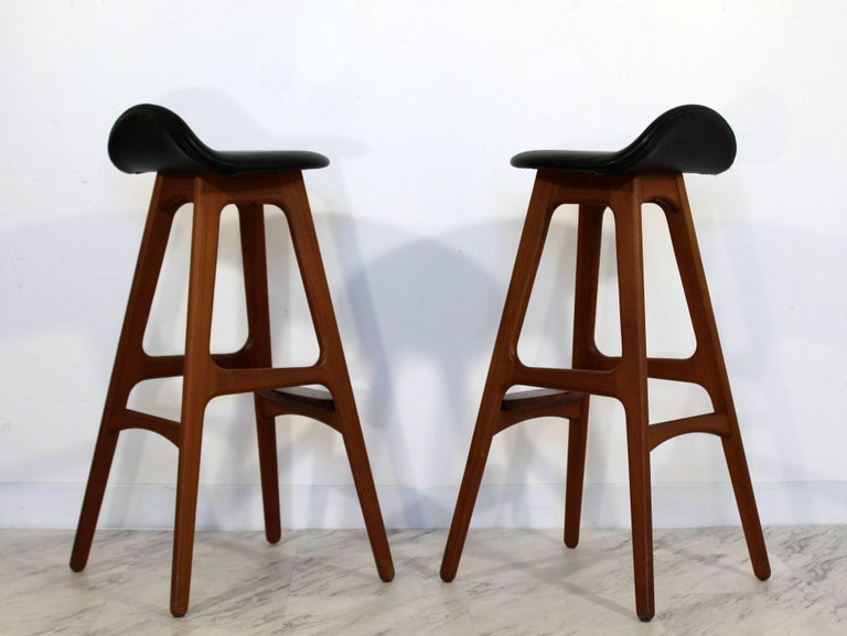 Mid-Century Modern Pair of Erik Buck Buch Leather Rosewood Bar Stools Danish For Sale 1